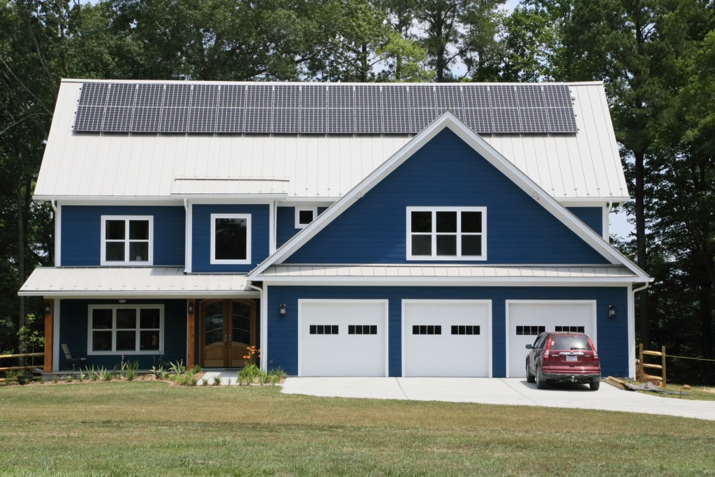 Green Home that has Solar Panels on its roof.