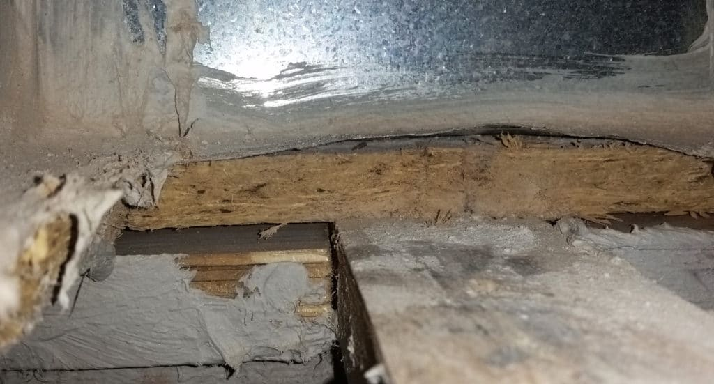 Poor mastic sealing of framed duct